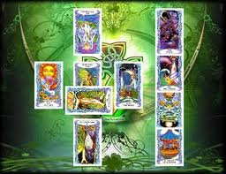 Read more about the article 18 Misguided Myths About Tarot Cards and Tarot Readings