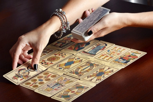 18 Misguided Myths About Tarot Cards and Tarot Readings