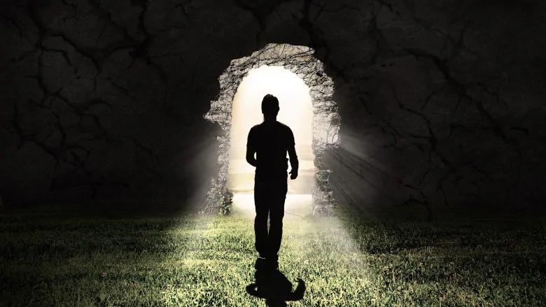 Do all people experience similar near-death-experiences?