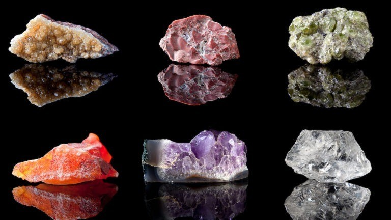 You are currently viewing What's My Birthstone? Birthstone Meanings and Stone Properties by Month